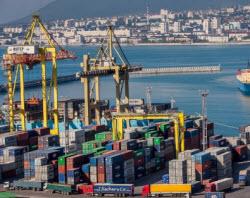 Беларусь договорилась о перевалке нефтепродуктов через порты РФ